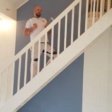 Der gesamte Dachstuhl ist frisch gemalert nebst Treppenanlage.
