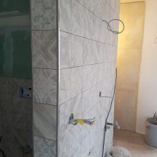 Das Bad nimmt Formen an
